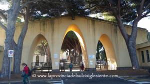 L'Amministrazione comunale di Carbonia ha avviato una campagna di pulizia straordinaria dei cimiteri.