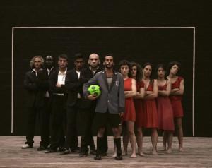 Con La partida, spettacolo ispirato al film L'arbitro di Paolo Zucca, prosegue oggi, a Cagliari, la terza edizione di Approdi.