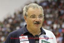 Meo Sacchetti, il coach della Dinamo del Triplete, lascia la Vanoli Cremona, guiderà la Fortitudo Bologna