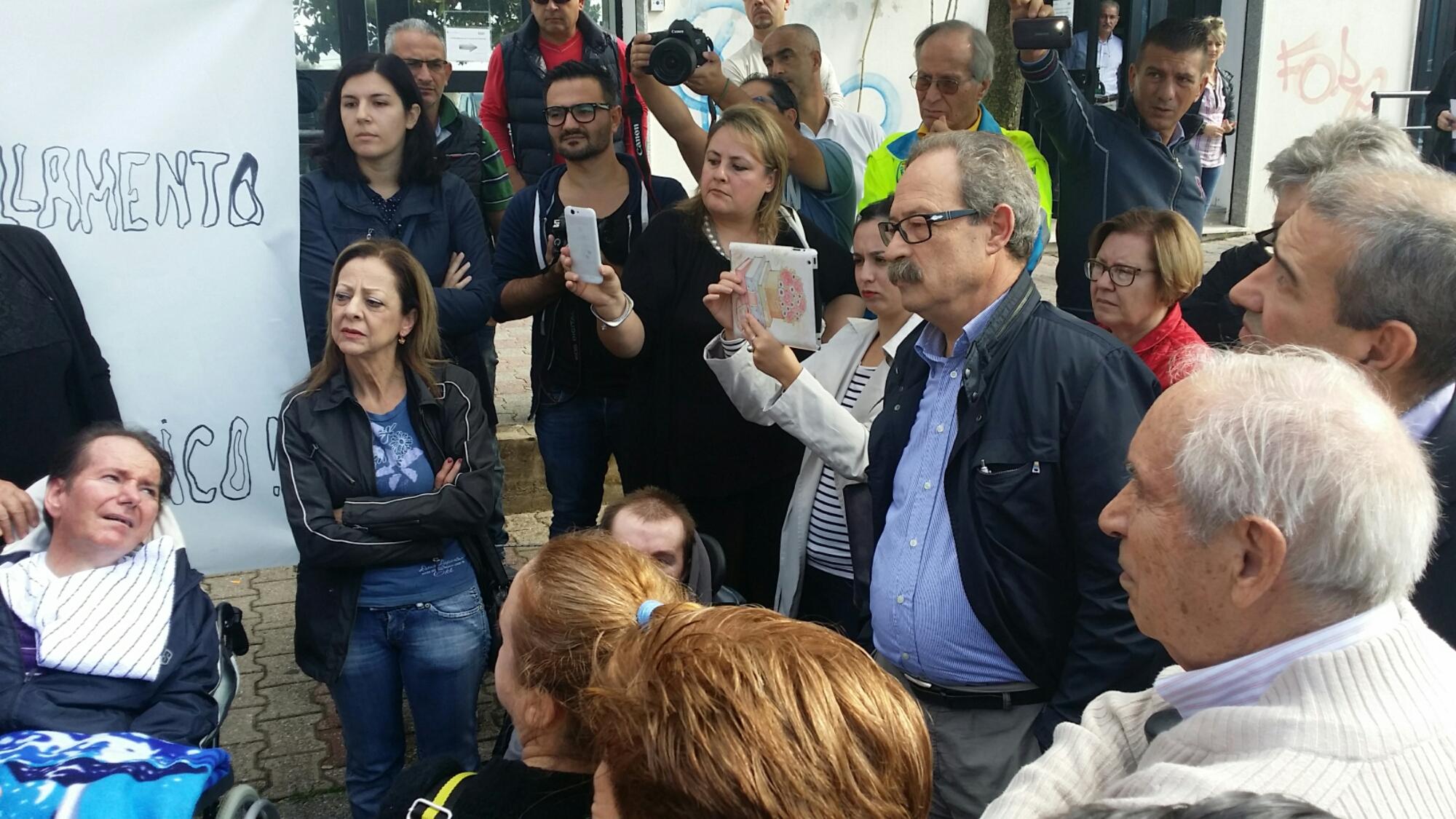 Si è conclusa alle 12.30, dopo un incontro con il commissario Onnis, la protesta dei malati tracheostomizzati alla Asl 7 di Carbonia.