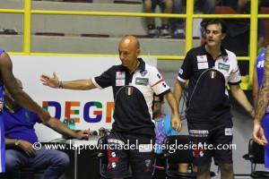 La Dinamo Banco di Sardegna sarebbe orientata su Vincenzo Esposito come guida tecnica per la stagione 2018-19.