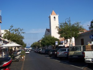 Stintino - Via Sassari e la chiesa parrocchiale