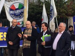 Manifestazione dei Riformatori sardi contro la Giunta regionale per l'aumento delle aliquote Irpef.