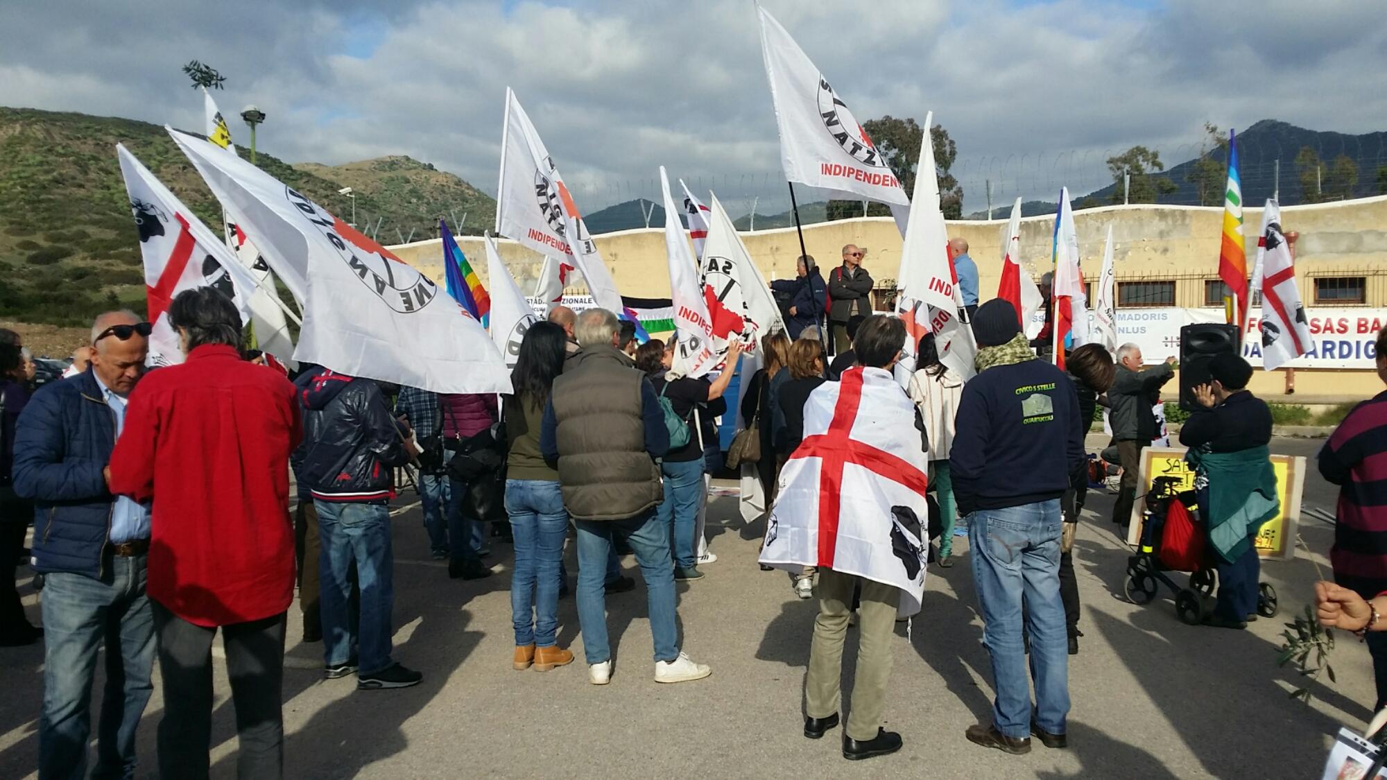 Nuova manifestazione pacifista contro la fabbrica di bombe il 10 maggio a Domusnovas.