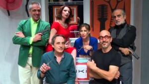"""Il Teatro Centrale di Carbonia ospita martedì 19 gennaio lo spettacolo di prosa """"Forbici e Follia"""", proposto dal CeDAC."""