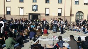 Sale il tono delle polemiche intorno alle manifestazioni della mobilitazione del territorio in corso da lunedì 1 febbraio.