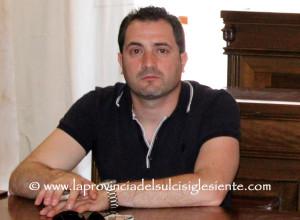Anche il segretario cittadino del circolo PD di San Giovanni Suergiu, Antonio Fanni, s'è dimesso, ma senza polemiche.