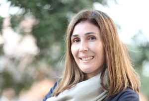 Elvira Usai, la giovane giornalista prestata alla politica, a 40 anni è la prima donna sindaco di San Giovanni Suergiu.