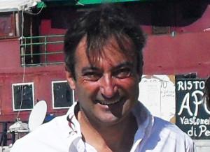 Il velista Andrea Mura, in procinto di salpare per la prestigiosa regata transatlantica Ostar, domani si sottoporrà alle visite mediche.