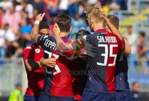 La Sardegna è in festa per l'immediato ritorno del Cagliari in serie A.