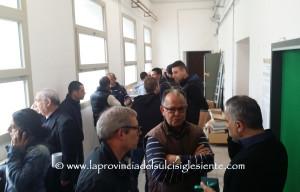 Momenti di tensione stamane, a Carbonia, alla presentazione delle liste per le Amministrative del 5 giugno.