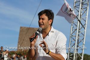 Intervista ad Alessandro Di Battista (M5S) al comizio di Paola Massidda all'anfiteatro di Carbonia.