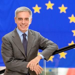 """E' stata presentata questo pomeriggio all'Hotel Panorama di Cagliari, """"EasyEurope"""", la piattaforma sui bandi europei ideata dall'eurodeputato Stefano Maullu."""