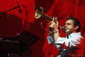 """Venerdì a Berchidda grande serata di musica con """"La prima rondine"""": Paolo Fresu incontra Giuliano Sangiorgi."""