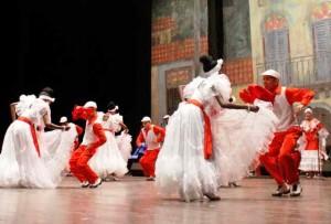 """Compie quarant'anni il festival """"Is Pariglias"""" e rinnova la magia delle danze tradizionali provenienti da tutto il mondo."""