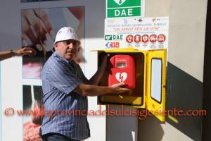 """Il progetto del Rotary Club """"Un amico per la vita"""" ha portato 11 defibrillatori a Carbonia. Rotary Club e ASL 7 insieme per la città."""