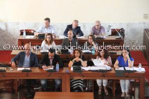 Primo confronto-scontro tra maggioranza ed opposizione, ieri sera, nel nuovo Consiglio comunale di Carbonia.