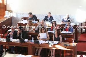 E' già alto il livello dello scontro tra maggioranza e minoranza nel nuovo Consiglio comunale di Carbonia.