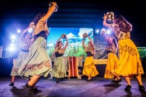 Venerdì 29, a Carloforte, lo straordinario spettacolo delle danze tradizionali di Sardegna, Patagonia, Bolivia, Siberia e Cuba.