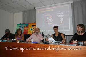 """E' stato presentato questa mattina, nella sala riunioni della provincia del Sud Sardegna, il XXXI festival """"AI Confini tra Sardegna e Jazz""""."""