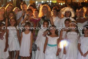 Lunedì 13 agosto, a Gonnesa, in piazza Asquer, si svolgerà la diciannovesima edizione della sfilata di moda sotto le stelle, organizzata da Cristina Balloi.
