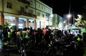 """Nuovo appuntamento con """"Nottinsieme: shopping e spettacolo a Carbonia"""", mercoledì 17 agosto."""