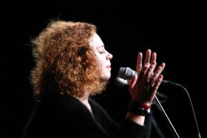 Sarah Jane Morris chiude questa sera a Nureci la nona edizione di Mamma Blues.