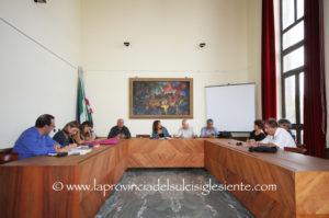 I sindaci del Sulcis Iglesiente hanno chiesto un incontro urgente al governatore Pigliaru per affrontare l'emergenza sanitaria.