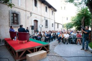 Premio Dessi 2011 - Un appuntamento in piazza Z ampillo a Villacidro (foto Mariano Casti) s