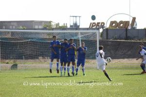 Domenica il Carbonia difende il primato in classifica contro la Frassinetti, derby rossoblu tra Monteponi e Carloforte.