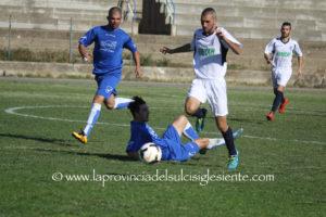 Il Carbonia vince a Quartu con tre goal negli ultimi 20 minuti e lancia la sfida-promozione alla capolista Samassi.