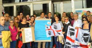 Il Movimento Zona Franca ha contestato il presidente della Regione per i ritardi nell'applicazione della legge sulla zona franca.
