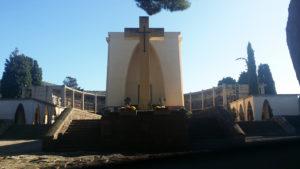 Questa mattina nel comune di Carbonia sono in programma tre cerimonie per la commemorazione dei defunti.