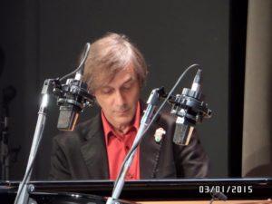 """Un concerto del pianista romano Arturo Stàlteri apre domani l'edizione 2017 del festival """"Le Salon de Musique""""."""