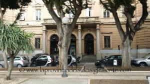 Oggi, a Cagliari, è stato aperto il Mercatino di Natale di piazza Del Carmine.