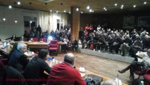 Aula consiliare stracolma di tifosi e grande entusiasmo ieri, a Sant'Antioco, per la presentazione del libro-biografia di Daniele Conti.
