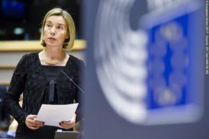 I deputati del Parlamento europeo condannano con forza il divieto di ingresso negli Stati Uniti nel dibattito con Federica Mogherini.