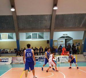 """La Sulcispes ha superato anche Nuoro (72 a 67) in rimonta, terza vittoria di fila nella """"Poule A"""" della serie D."""
