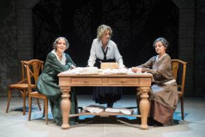 """Le """"Sorelle Materassi"""" al debutto in Sardegna martedì a Sassari, mercoledì al Teatro Centrale di Carbonia."""