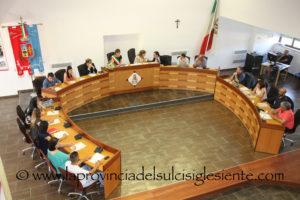 Il Consiglio comunale di San Giovanni Suergiu ha proceduto ieri sera alla surroga del consigliere di maggioranza dimissionario, Alessandro Massaiu, con il primo dei non eletti, Marco Lambroni.