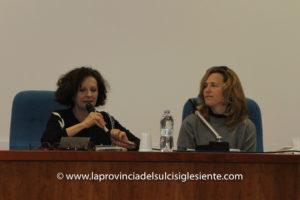 """Si è svolta ieri, alla Caserma Trieste di Iglesias, la presentazione del libro """"Una giornata dall'aria antica"""", di Antonella Serrenti."""