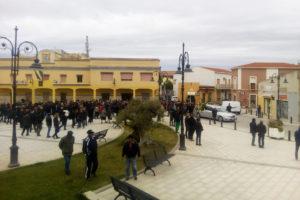Alcune centinaia di persone hanno dato l'estremo saluto, a San Giovanni Suergiu, a Claudio Sulas.