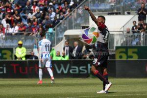 Un rigore di Joao Pedro ha dato la vittoria al Cagliari sul Pescara, con i tre punti della salvezza matematica.