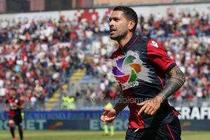 Ora è ufficiale: Marco Borriello ha firmato il nuovo contratto che lo lega al Cagliari per la stagione 2017/2018 con opzione per la stagione successiva.