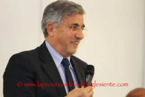 """Il 26 aprile, per la rassegna """"Carbonia Scrive"""", verrà presentato il libro """"Senza sole né stelle"""", di Sandro Mantega."""