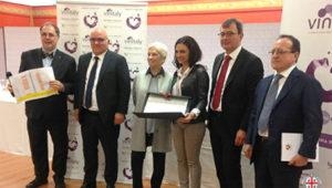 Ieri al Vinitaly 2017 l'assessore dell'Agricoltura Pierluigi Caria ha premiato i vincitori del Granaches du Monde.