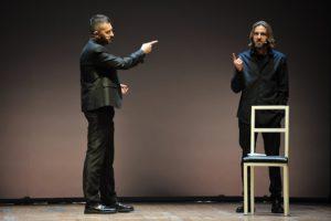 """Sabato, al Teatro Massimo di Cagliari, """"Il sogno di un'Italia"""", lo spettacolo di e con Andrea Scanzi e Giulio Casale."""
