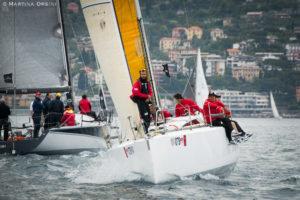 L'equipaggio di Dhl Adelasia di Torres, capitanato da Renato Azara, dal 3 giugno sfida i big della vela.