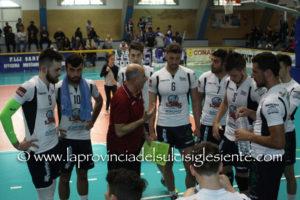 """La VBA/Olimpia è tornata al successo sul campo dello Yaka Volley Malnate ed ha ipotecato il 4° posto a una partita dal termine della """"regular season""""."""
