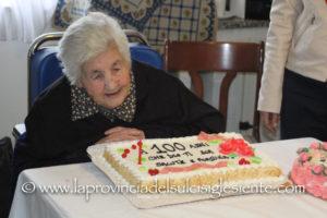 Festa grande questa sera, a Carbonia, per il 100° compleanno di Maria Lisci, cittadina San Giovanni Suergiu.